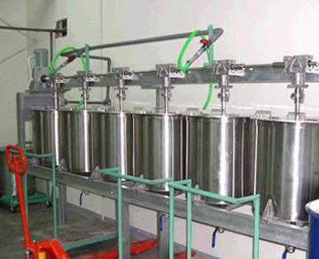 Máy khuấy hóa chất được sử dụng rộng rãi.