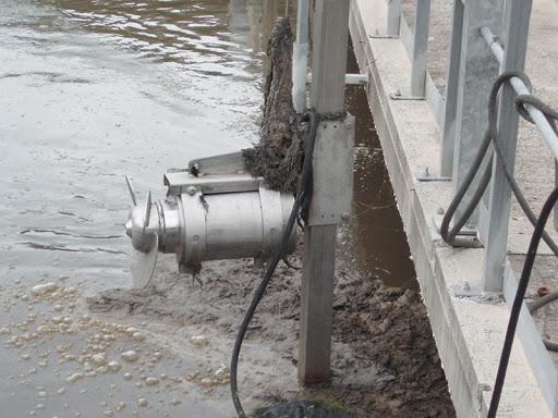 Ứng dụng của máy Khuấy trộn chìm trong xử lý nước thải